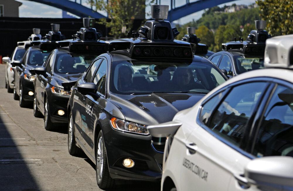 CNNi prognoos: juba mõne aasta pärast teenivad autotootjad enim hoopis andmemüügist
