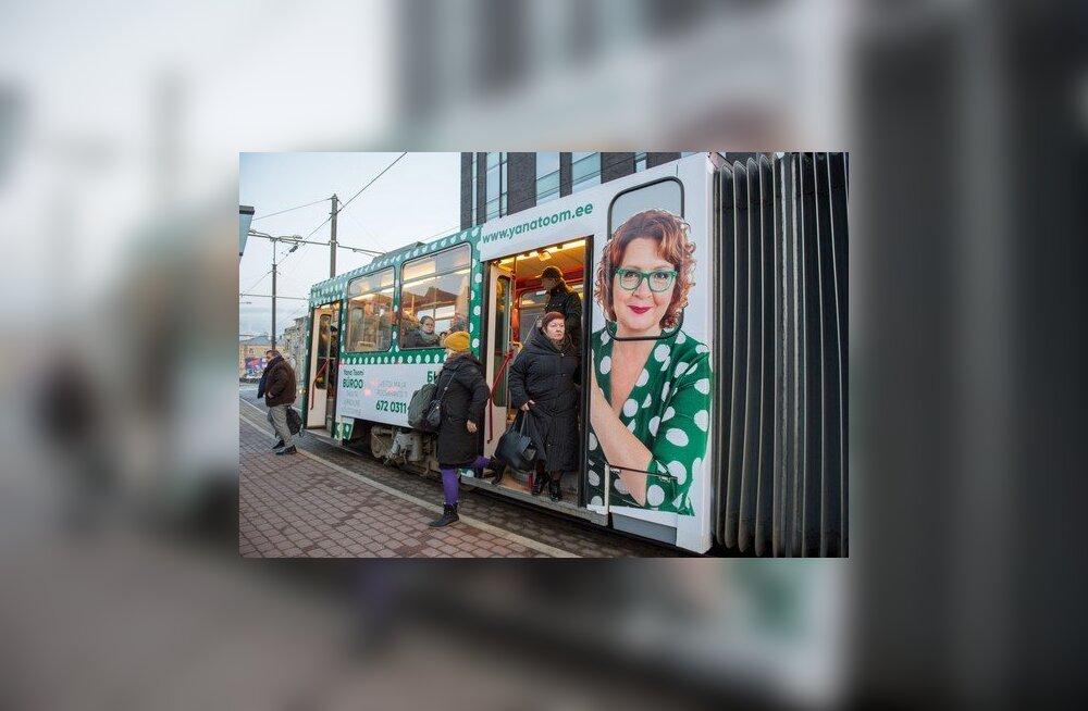 Mihhail Kõlvart ei näe Yana Toomi pilti kandvas trammis varjatud poliitreklaami