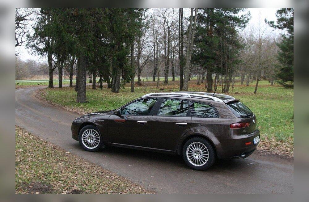 Alfa Romeo 159 (2005–11): peen Itaalia arrogants