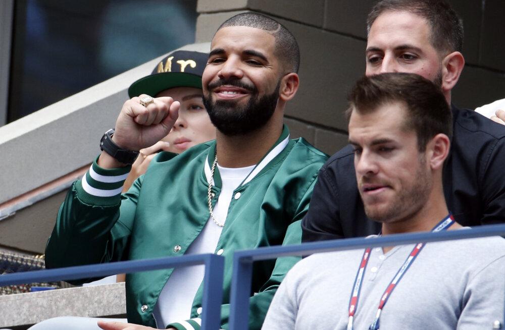 Drake Serena Williamsi mängul
