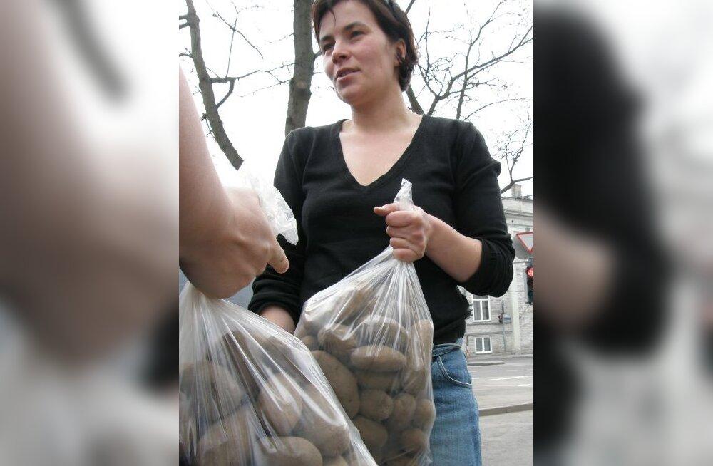 Toidujulgeoleku küsimus: naised panid Tallinnasse käima maatoidu lahvka