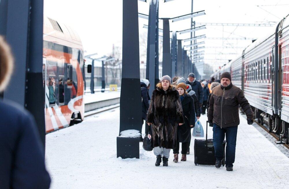 Vene turistide saabimine Tallinnasse. Vene turistide arv vähenes detsembris aastatagusega võrreldes 6%.