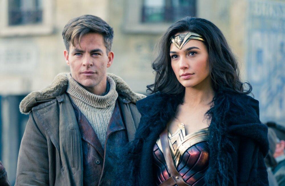 """ARVUSTUS: """"Wonder Woman"""" annab lootust DC koomiksifilmide tuleviku suhtes"""