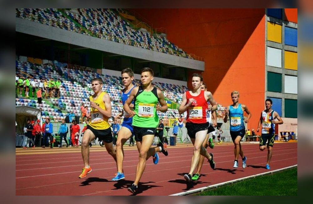 Rasmus Kisel (nr. 32) mullu septembris Euroopa juunioride karikavõistlustel jooksmas