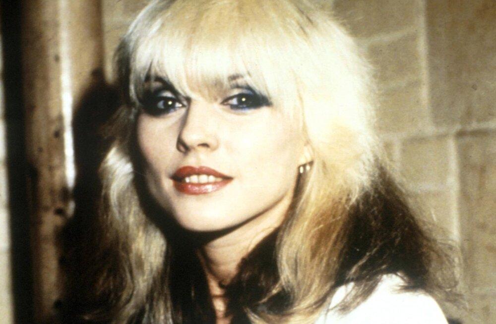 ENNE JA NÜÜD | Blondie laulja Debbie Harry tunnistab sõltuvust iluoppidest: see on sama nagu gripivaktsiini saamine