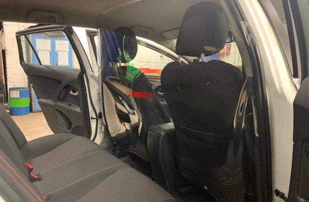 Впервые в Эстонии: в такси Tulika Takso водителей отделяют от пассажиров перегородкой