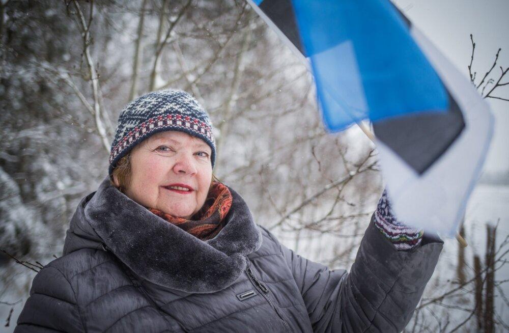 Kuigi kogu Eesti geograafiline keskpunkt ei jää enam tema kodule väga lähedale, on Luule Põder nõus ka Kõnnu külas lippu kõrgel hoidma, sest seegi küla jääb koduvalda.