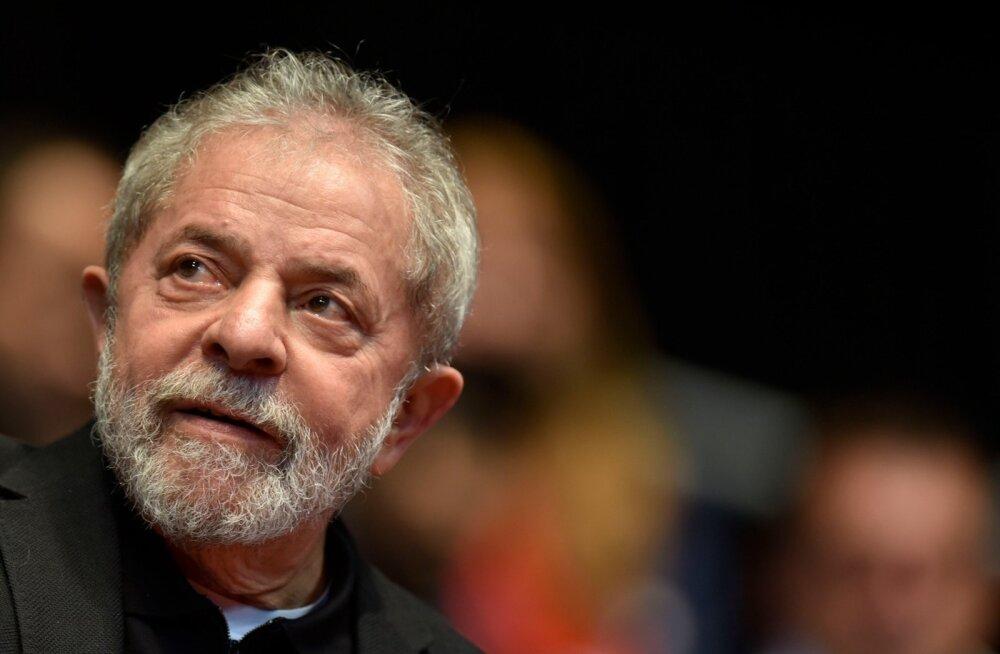 Brasiilia korruptsioonis süüdistatav ekspresident määrati puutumatuse andvasse riigipea personaliülema ametisse