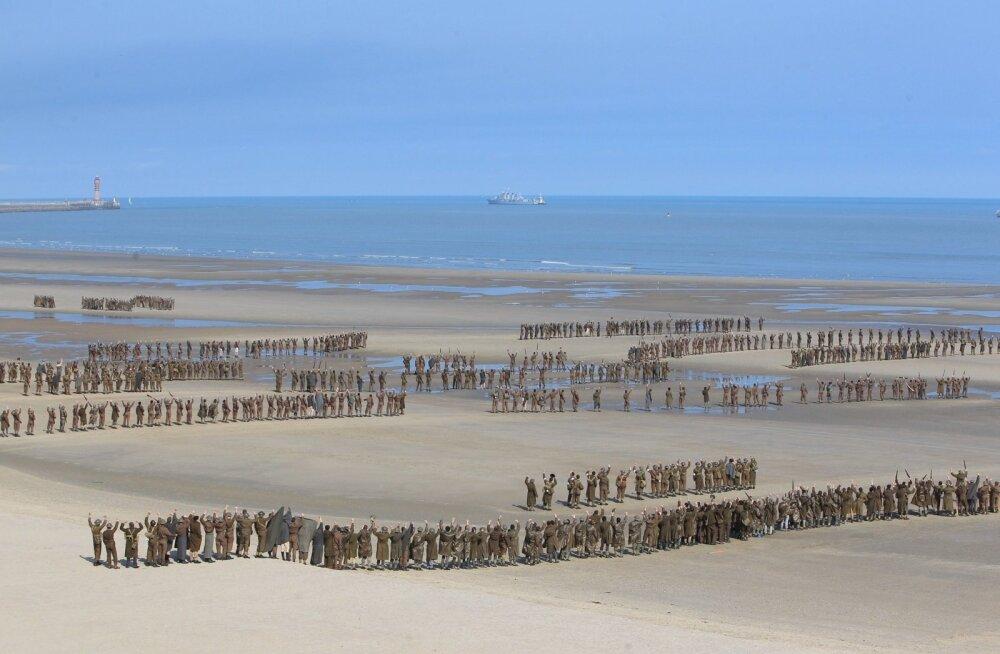 FOTOD: Vaata, kuidas tehakse filme Hollywoodis! Christopher Nolani suurejooneline sõjafilm tõi ligi 1000 statisti Dunkerque'i randa