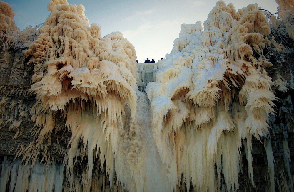 Talvine Ida-Viru ahvatleb sõpruskondi seiklema