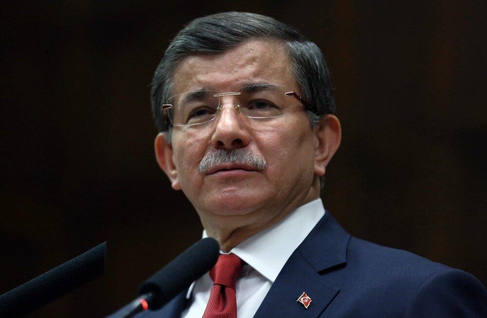 Türgi ekspeaminister Davutoğlu: käsu Vene lennuki allatulistamiseks andsin mina, see polnud putšistidest pilootide otsus
