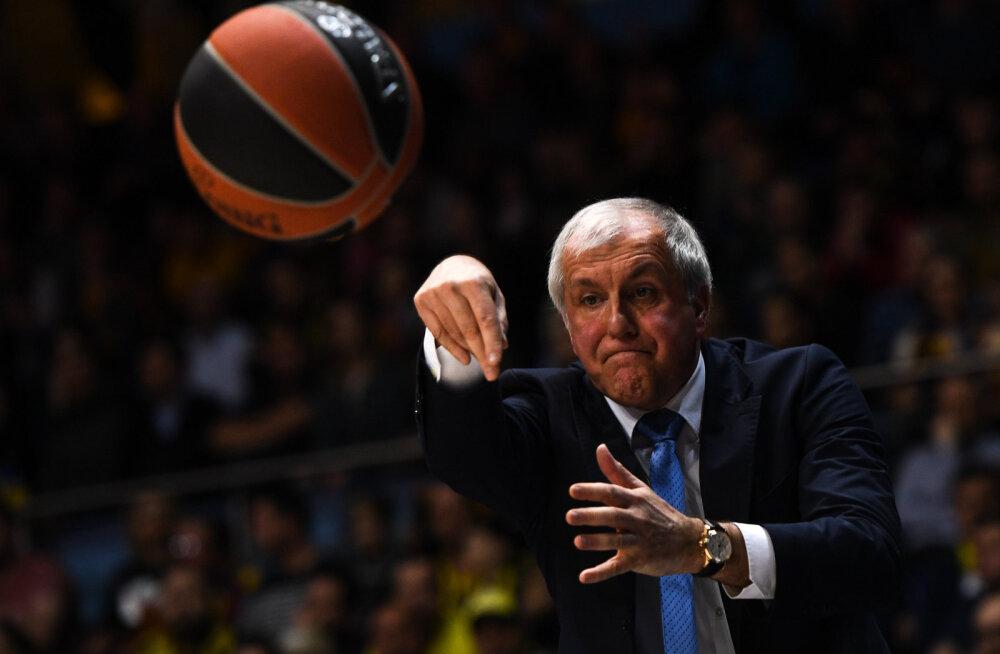 Türgis mängitakse hoolimata pallurite vastuseisust korvpalli edasi. Legendaarne treener: spordist on praegu väga raske rääkida