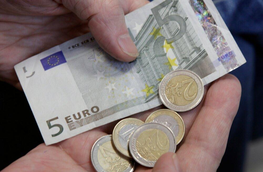 Uuring: kiire palgakasv ei ole töötajate toimetulekut parandanud. Igal teisel esineb rahamurede tõttu pinget ja stressi