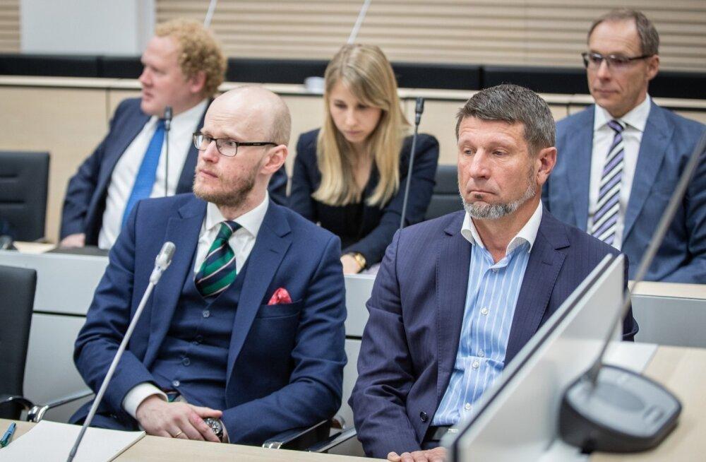 Tallinna Sadama kohtuasja üks peaosalisi, Ain Kaljurand (paremal) koos vandeadvokaat Paul Keresega