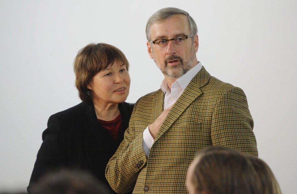 Jaak Jõerüüt koos abikaasa Viivi Luigega