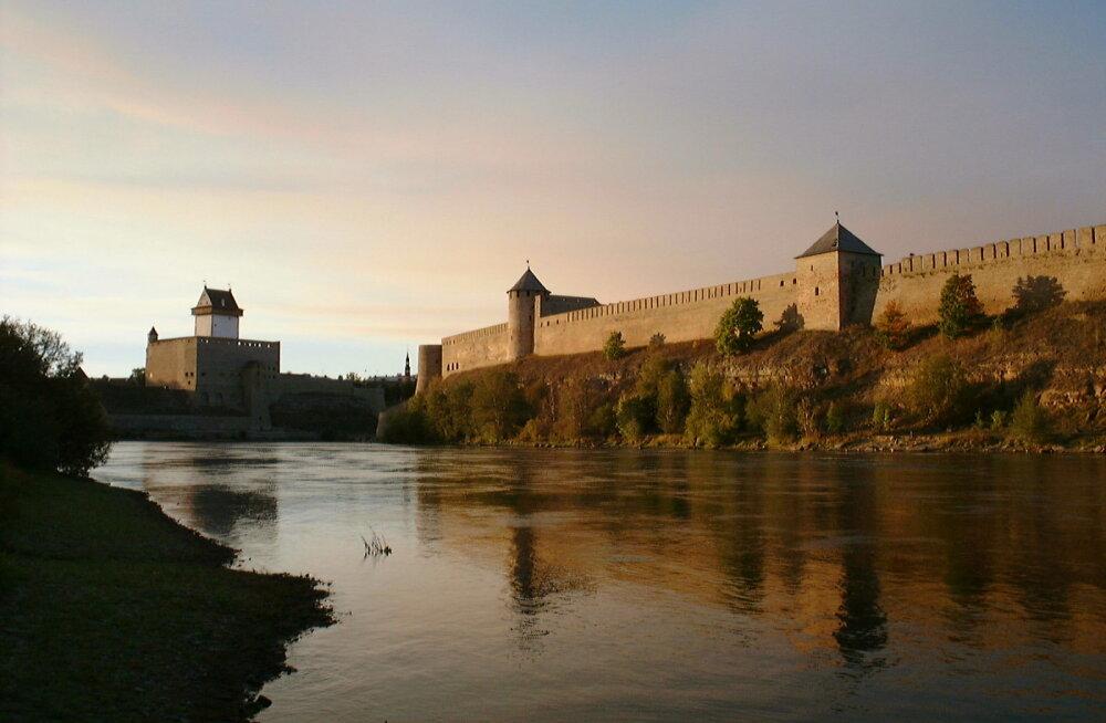 Veretu sõda, salapärane saar, šikk arhitektuur - seikle sügispealinnas Narvas!