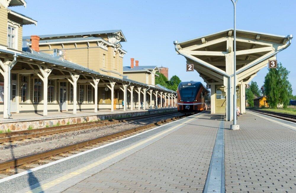 Rongiliiklus seiskus tulekahju tõttu Tartu jaama juhtimiskeskuses
