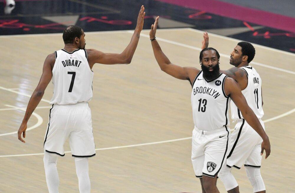 VIDEO   Durant, Harden ja Irving viskasid kolme peale 96 punkti, kuid Nets pidi teisel lisaajal Cavaliersile alla vanduma