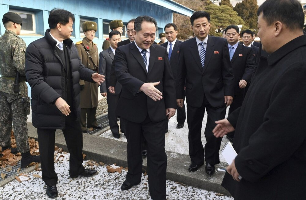 Põhja-Korea pealäbirääkija Ri Son-gwon võrdles eile kohtumisele saabudes Koreade vahel valitsevat õhkkonda pakaselise ilmaga.
