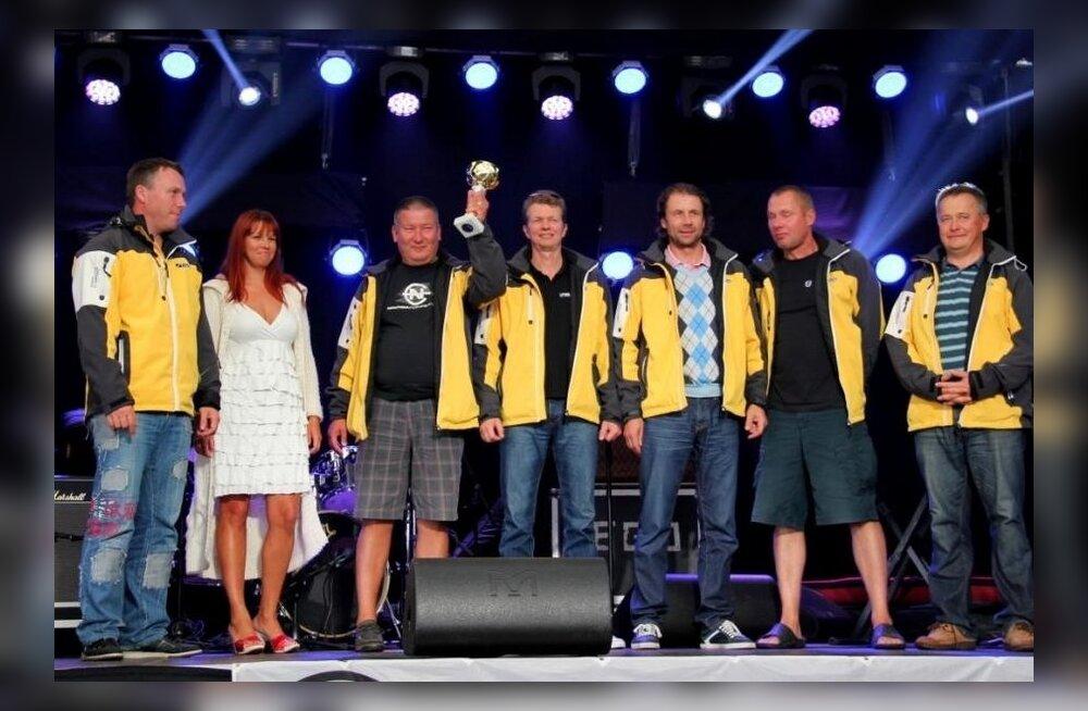 Helsinki-Tallinn 2013 LYS 2 grupi võitja Fanatic, kapten Ain Jalasto Kalev Jahtklubist