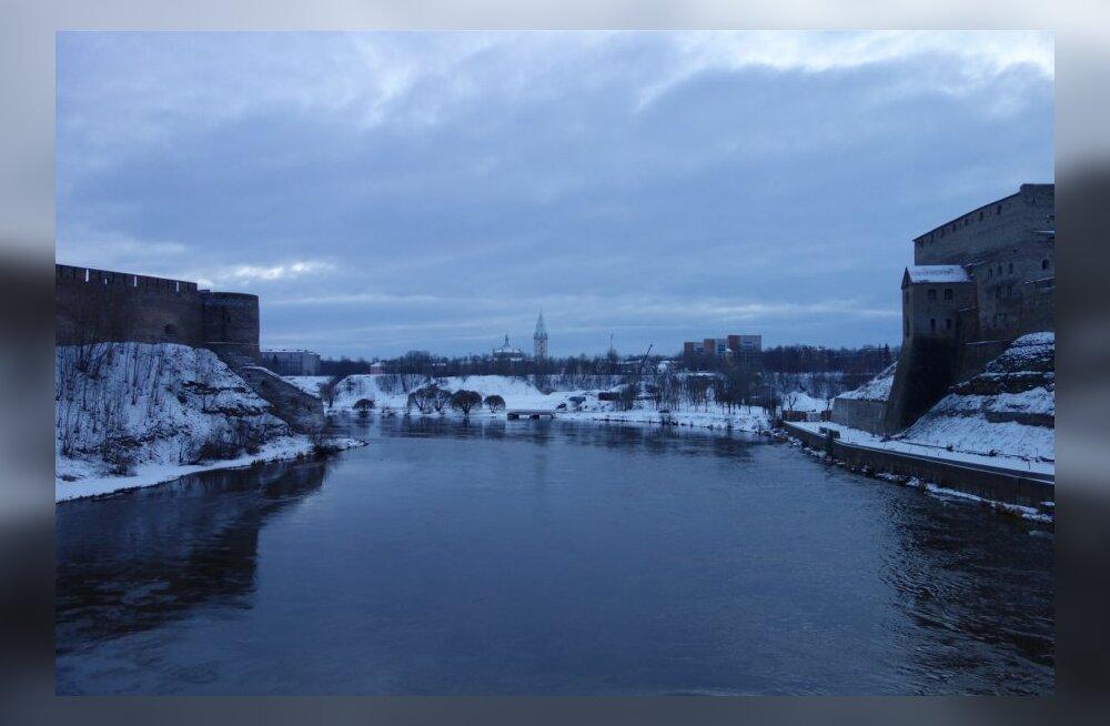 New York Times: Narvat ja Ivangorodi eraldab kitsas jõgi, kuid tohutu kultuuriline kuristik