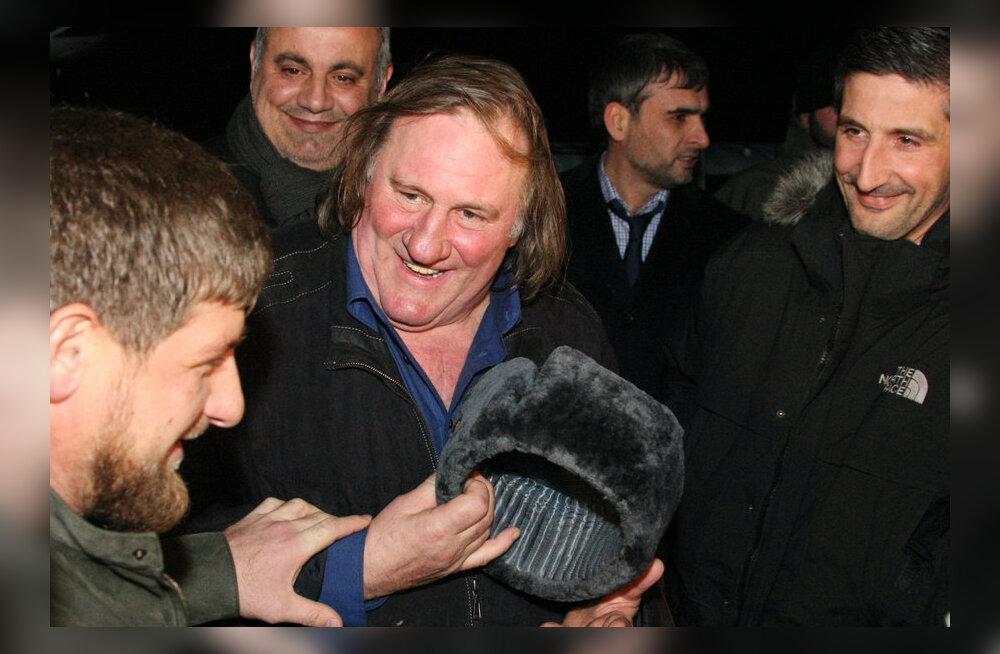 ВИДЕО: Депардье станцевал лезгинку на встрече с президентом Чечни Кадыровым