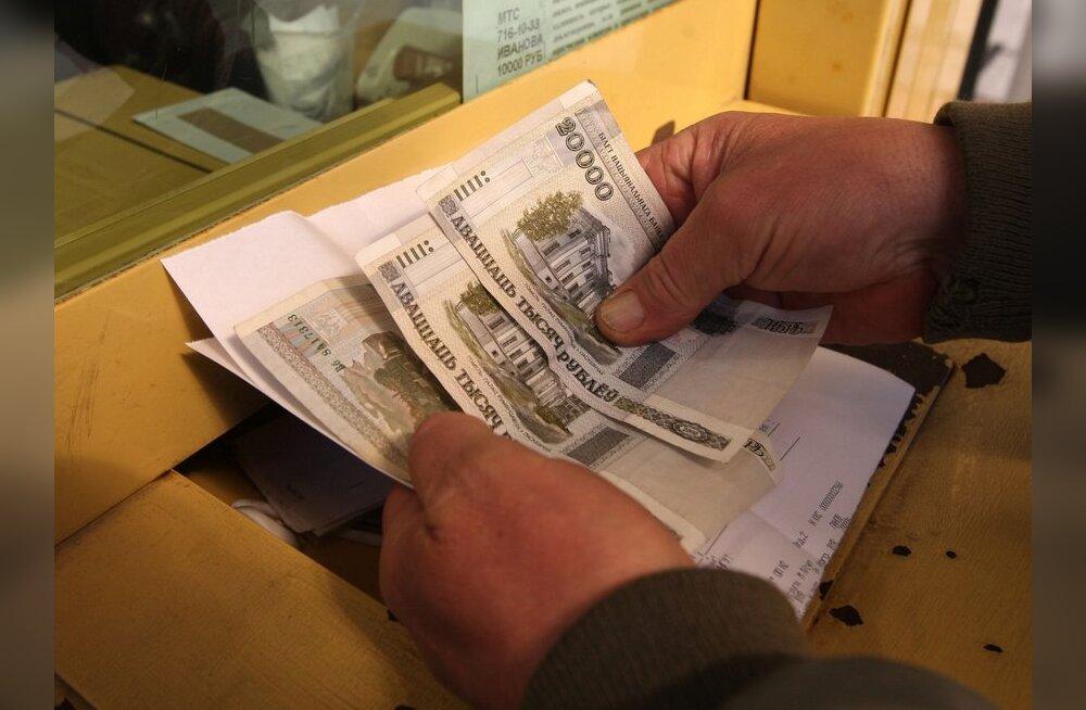 Valuutadefitsiidis Valgevenes kaovad poelettidelt importkaubad