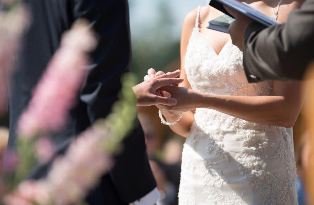 Стань моим мужем: истории женщин, которые сделали предложение