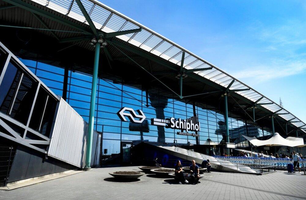 Тревога на борту самолета в аэропорту Амстердама оказалась ложной
