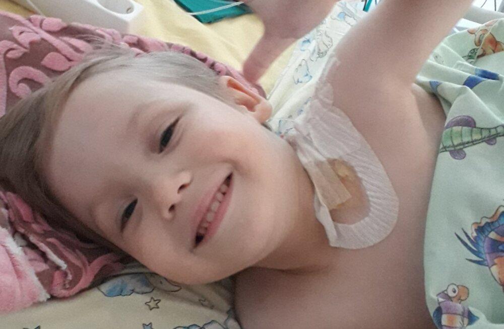 Ulata abikäsi! Väike Kris vajab heade inimeste abi operatsioonile pääsemiseks