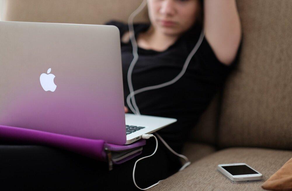 Uuringust selgus, et rohke sotsiaalmeedia kasutamine rikub tüdrukute vaimset tervist