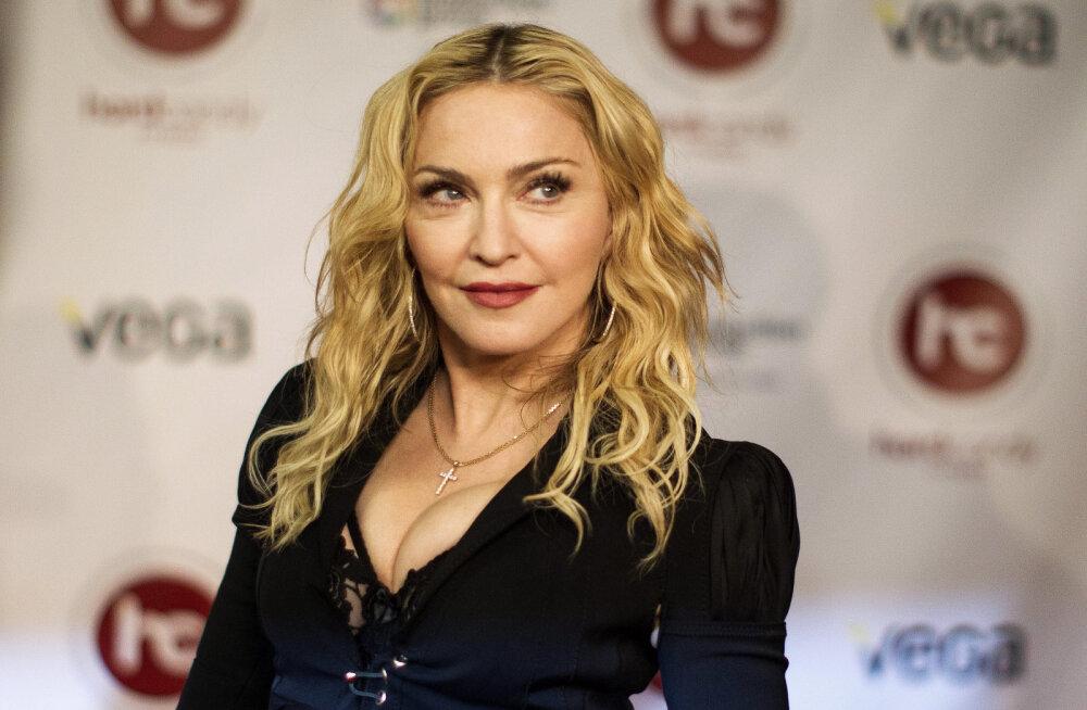Madonnast 26 aastat noorema peika vanemad avalikustasid üllatava tõe noorpaari suhte kohta: see on kestnud kaua!