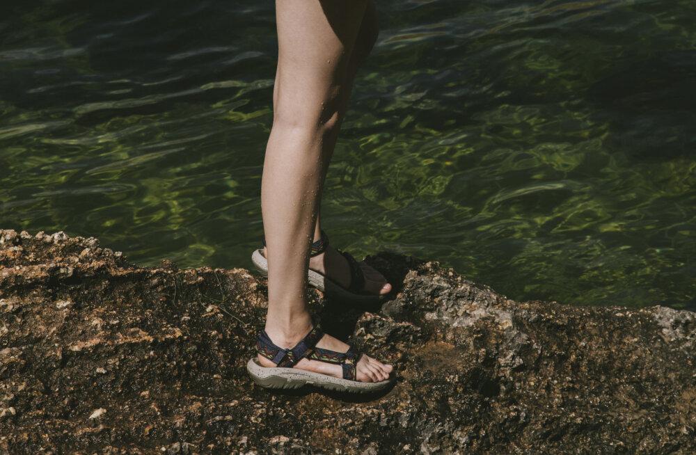 Möödunud suve kõige kuumem trend on moekas ka sel aastal ja sobib kandmiseks nii naistele kui ka meestele