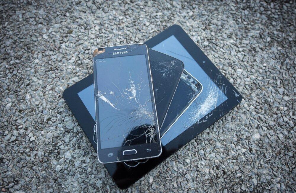 Miks telefoni kõlarit ei tohi hambaorgiga tolmust puhastada (ja teisi lugusid, kuidas seadet halva eest hoida)