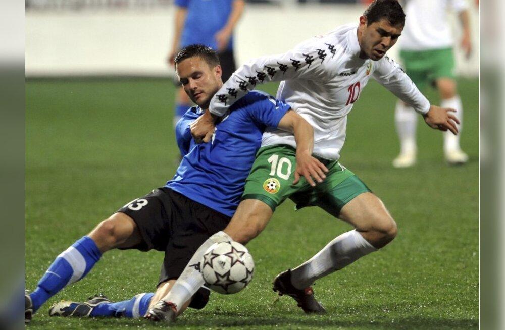 Eesti ja Bulgaaria jalgpallimängu vilistanud kohtunikud said eluaegse keelu