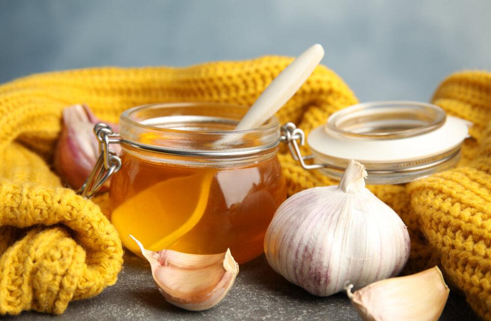 LIHTNE RETSEPT | Sügistalvine küüslaugu-mee turgutus, mis tugevdab tervist ja annab jõudu
