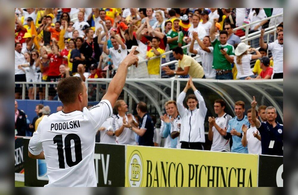 4f37b71bb8f VIDEO: Podolskil kulus vaid seitse sekundit, et Ecuadorile värav ...