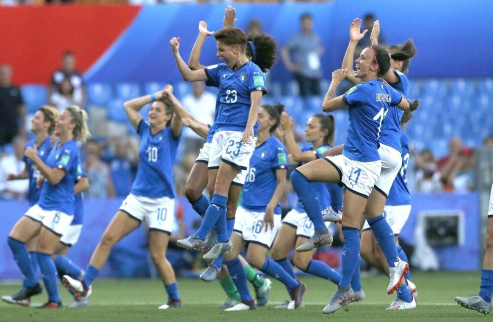 Naiste jalgpallis emotsioonidest puudu ei tule.