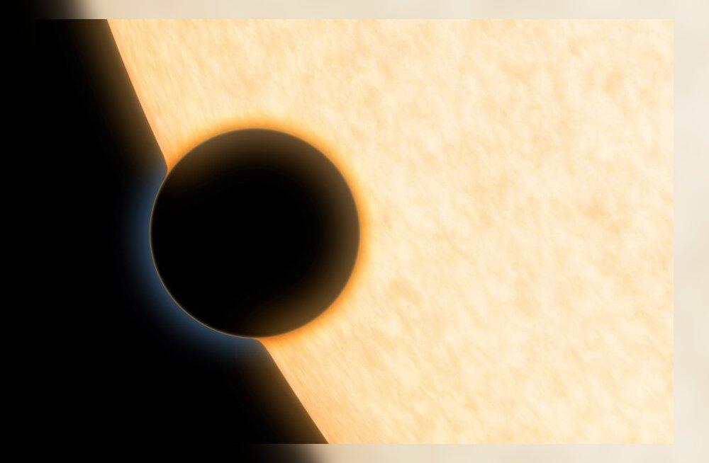 Kauge planeedi HAT-P-11b atmosfääris on veeauru