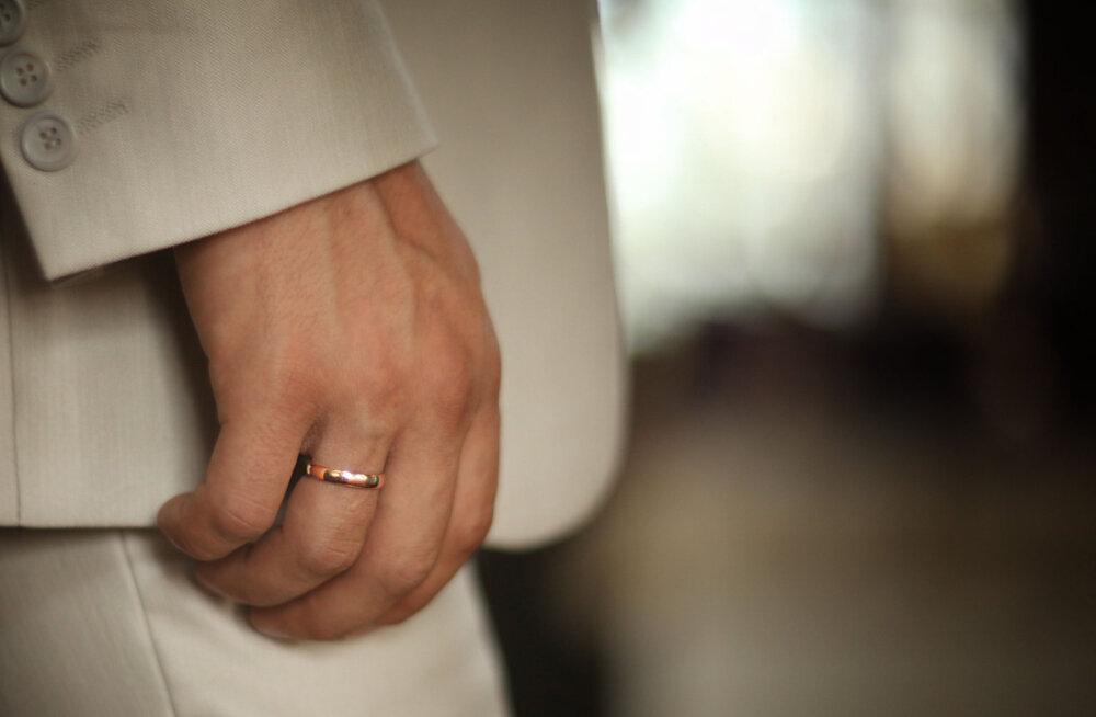 Eestlanna avaldab: see on tõeline põhjus, miks abielumehed nii ahvatlevad tunduvad