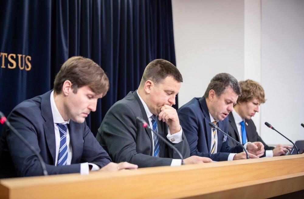 Vasakult: Martin Helme ja Jüri Ratas