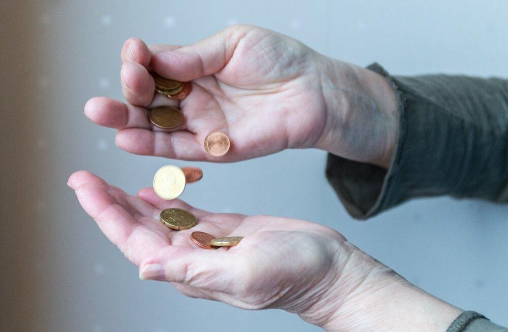 Võitvate pensionäride pension suureneb maksimaalselt 16,8 eurot, suurimad kaotajad annavad aga ära 83 eurot.