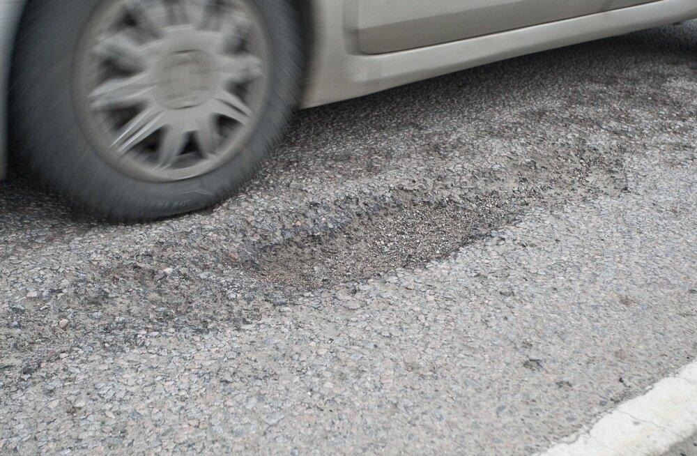 За сутки в ДТП пострадали семь человек: в Нарве попал под машину 8-летний мальчик