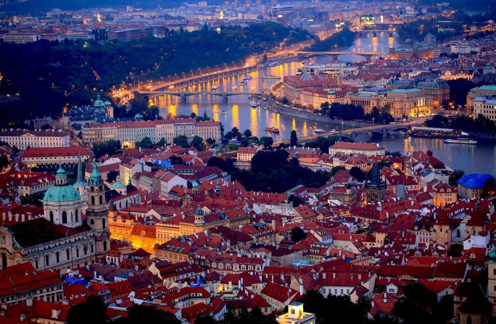 Praha peidetud salakohad: näiliselt igava ukse taga on hipsterite paradiis!