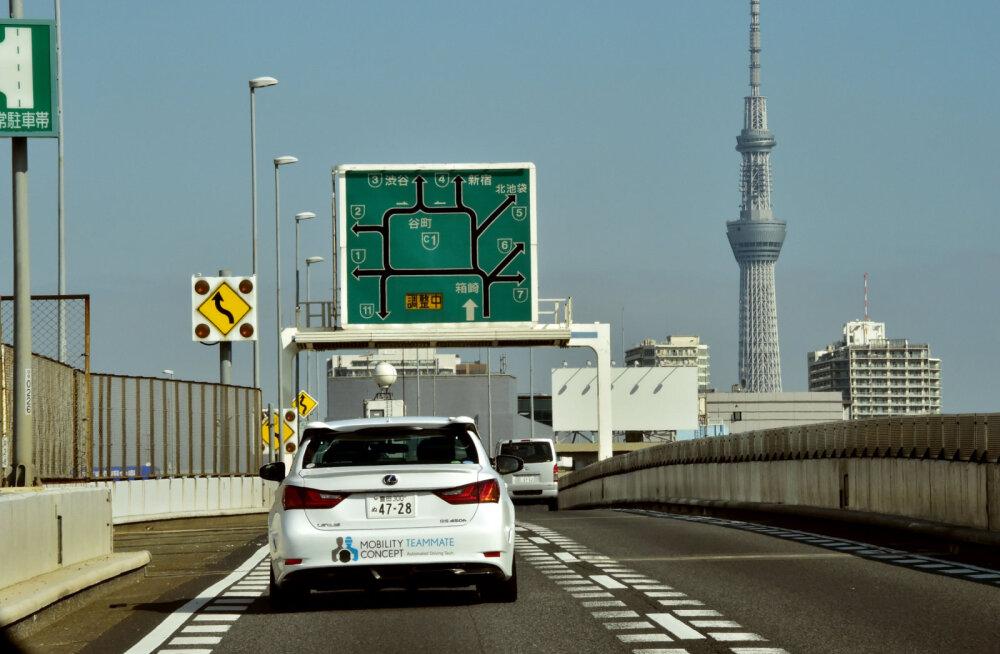 10 удивительных фактов про японские дороги и водителей