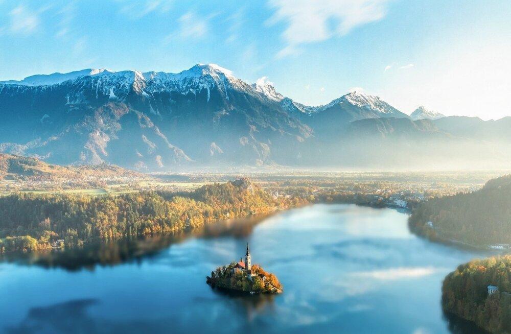 Sloveenia ja Poola kavatsevad anda oma kodanikele 200-eurosed kinkekaardid siseturismiks