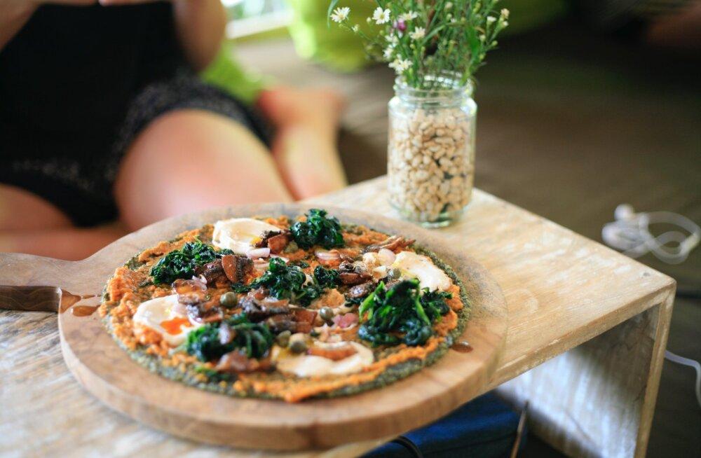 RETSEPT | Tervisesõprade seas populaarse LCHF dieedi retseptinäide: pitsa, mille abil garanteeritult kilosid kaotad