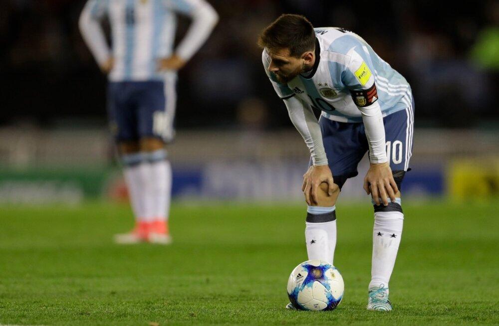 Lionel Messi ja Argentina on MM-valiksarjas hädas.