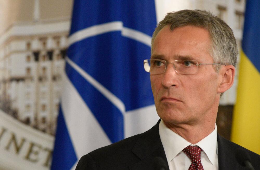 Столтенберг призвал Россию уважать воздушное пространство НАТО