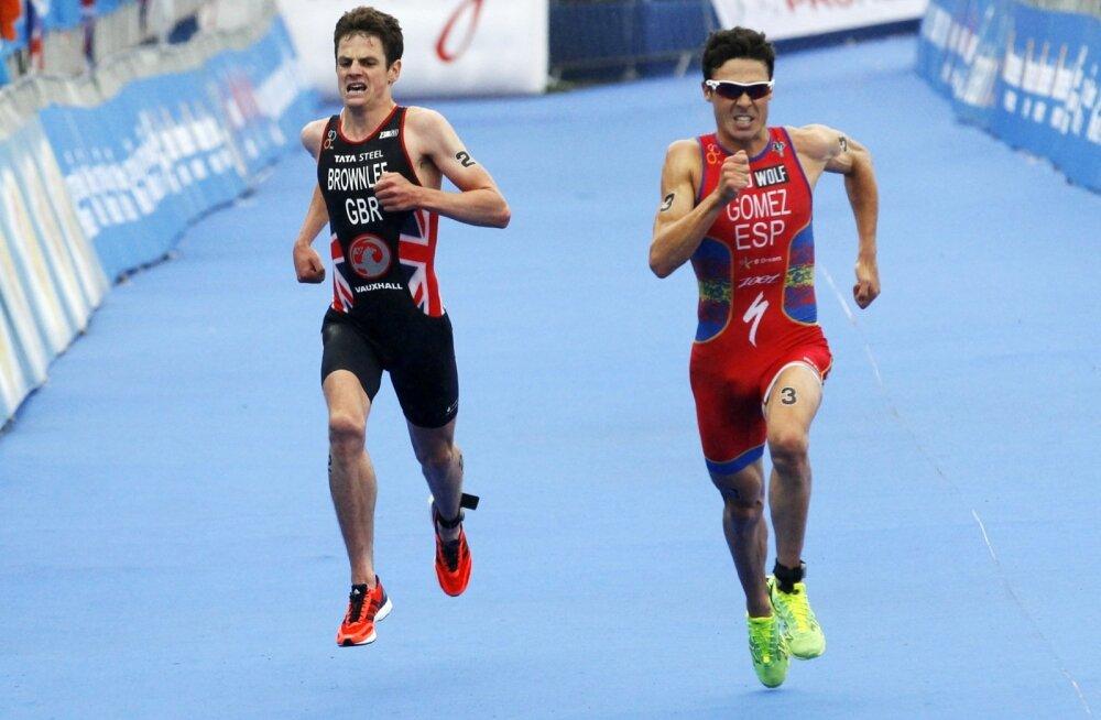 Kaks kanget Xavier Gomez (paremal) ja Jonathan Brownlee, triatlon